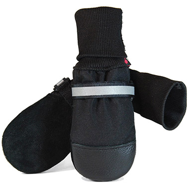 fleece-lined-black-boots